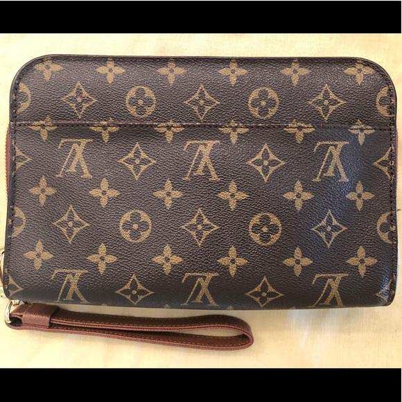 59008721cbc4 Authentic Louis Vuitton Monogram Orsay Clutch